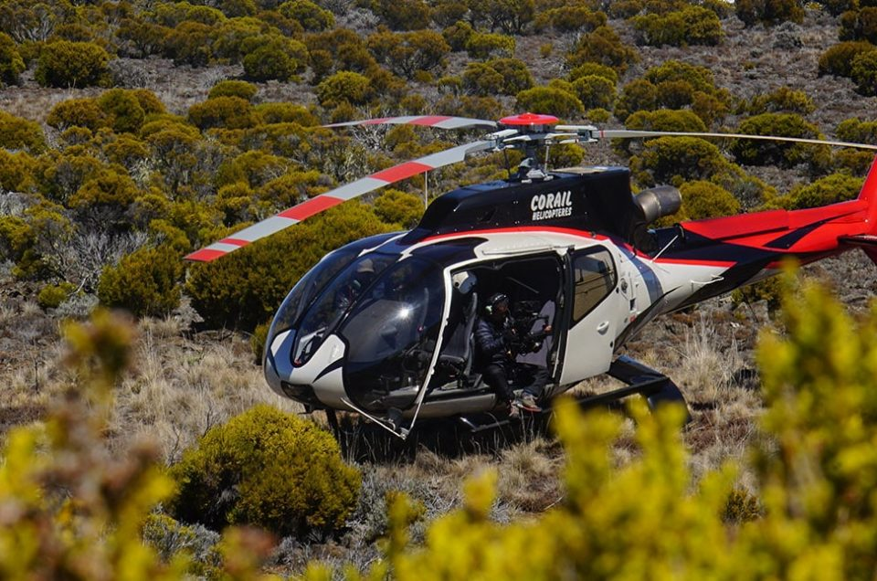 RAVITAILLEMENT SUR MAFATE AVEC CORAIL HELICOPTERES